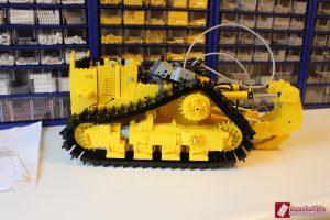 cat-d11-linden-lego-model-2