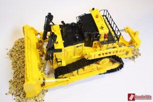 cat-d11-linden-lego-model-8