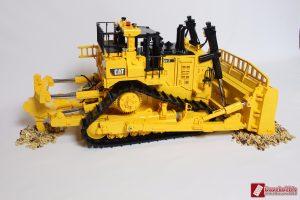 cat-d11-linden-lego-model-9