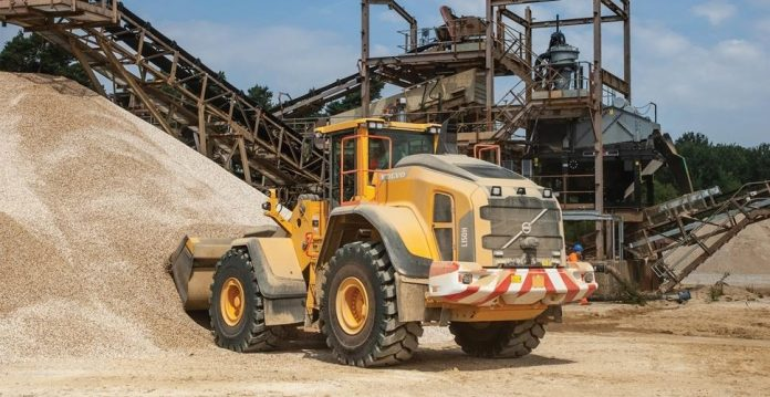 Four new Volvo loading shovels for Hills Quarry Products Ltd